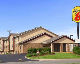 Super 8 by Wyndham Collinsville St. Louis - Collinsville - Building