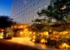 Kanazawa Manten Hotel Ekimae - Kanazawa - Gebäude