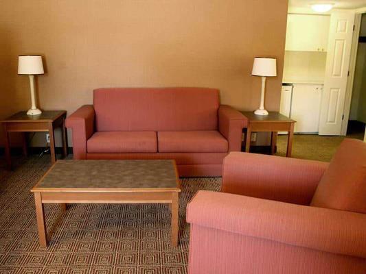 La Quinta Inn by Wyndham Lafayette North - Lafayette - Sala de estar