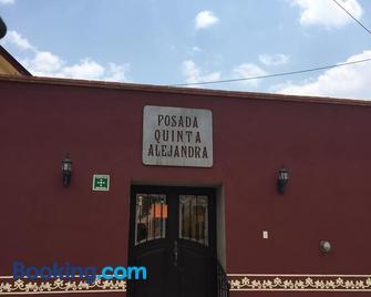 Posada Quinta Alejandra - Bernal - Edificio