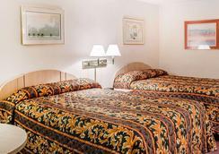 Rodeway Inn - Findlay - Schlafzimmer