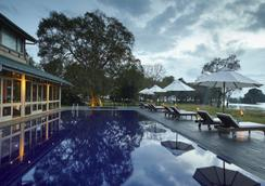 The Lake Hotel - Polonnaruwa - Πισίνα