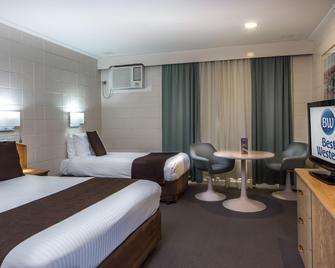 Hospitality Geraldton, SureStay Collection by Best Western - Geraldton - Bedroom
