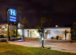 Hospitality Geraldton, SureStay Collection by Best Western - Geraldton - Vista del exterior
