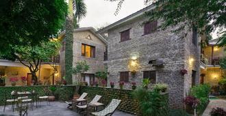Mums Garden Resort - פוחארה - פטיו