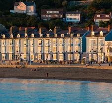 Gwesty'r Marine Hotel & Spa