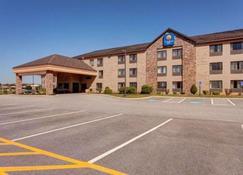 Comfort Inn - Bangor - Building