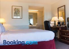 Hawk's Nest Lodge - Osage Beach - Phòng ngủ