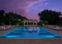Trident, Udaipur - Udaipur - Pool