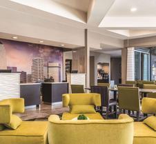 La Quinta Inn & Suites by Wyndham Shreveport Airport