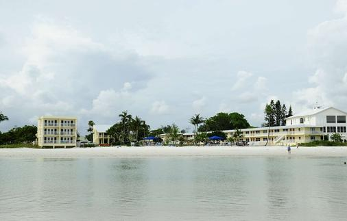 The Neptune Resort - Fort Myers Beach - Beach