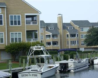 Pirate's Cove Resort Condos - Manteo - Gebouw