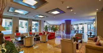 Coral Beach Hotel and Resort Beirut - Beirut - Lobby