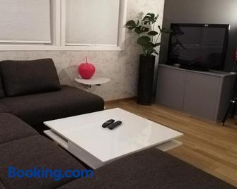 Jayne's Little Apartment - Sola - Wohnzimmer