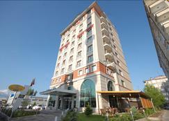 瑟瑞斯飯店 - 開塞利 - 建築