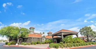 La Quinta Inn & Suites by Wyndham Phoenix Scottsdale - Scottsdale - Edificio
