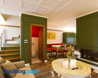 Abi Luxury Villas - Monodendri - Huiskamer