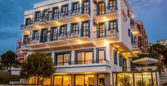 Sun Hotel - Çeşme - Building