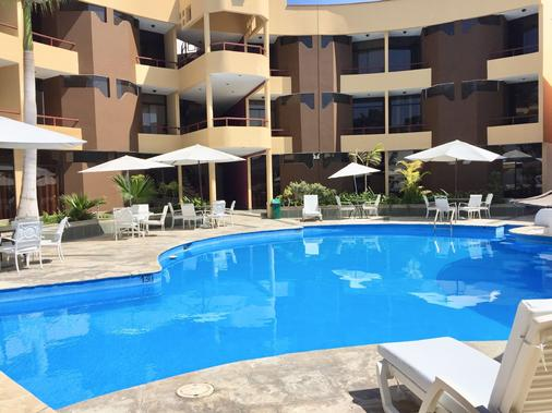 Embassy Beach Hotel - Pisco - Pool