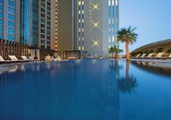Sofitel Abu Dhabi Corniche - Abu Dhabi - Bể bơi