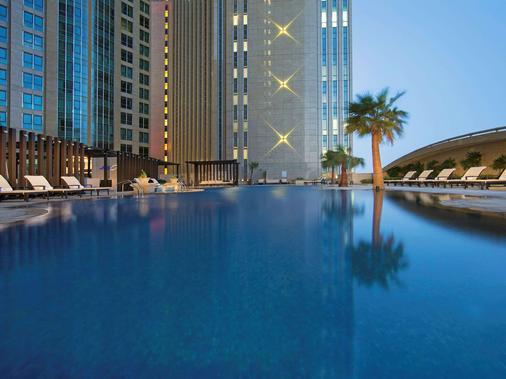 Sofitel Abu Dhabi Corniche - Abu Dhabi - Pool