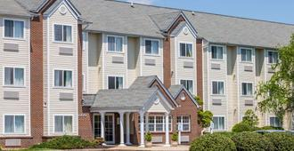 Microtel Inn & Suites by Wyndham Richmond Airport - Sandston