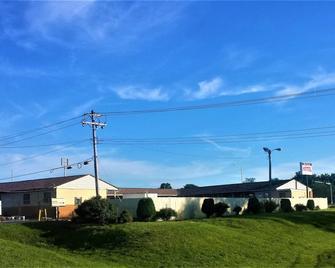 Delux Motel - East Saint Louis - Buiten zicht