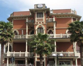 Hotel Doria - Chiavari - Edificio