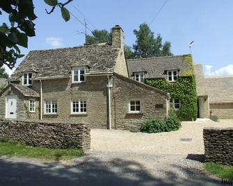 Well Cottage B&B - Cirencester - Building