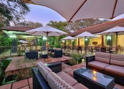 Protea Hotel by Marriott Livingstone - Livingstone - Patio