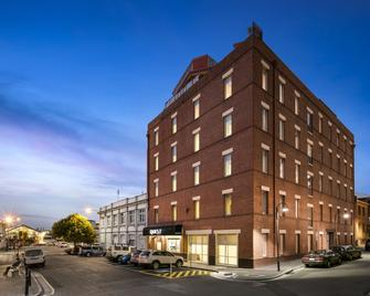 Quest Waterfront Serviced Apartments - Hobart - Building