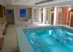 K West Hotel & Spa - London - Pool