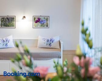 Apartment Sonnwies - Verano/Vöran - Huiskamer