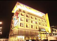 MaxOneHotels at Vivo Palembang - פלמבאנג - בניין