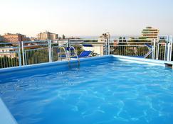 Hotel Augustus - Riccione - Zwembad
