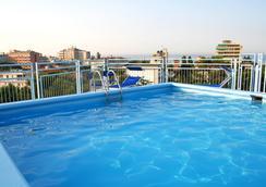 奧古斯都酒店 - 里喬內 - 里喬內 - 游泳池