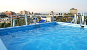 Hotel Augustus - Riccione - Piscina