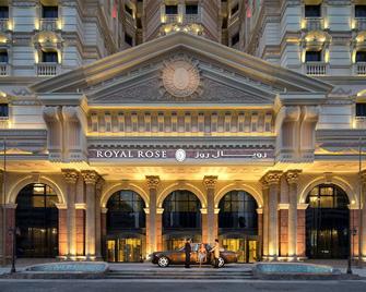 Royal Rose Hotel - Абу-Даби - Здание