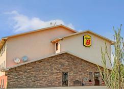Super 8 by Wyndham Las Cruces/La Posada Lane - Las Cruces - Building
