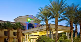 Holiday Inn Express Hotels and Suites Cathedral - Cathedral City - Building