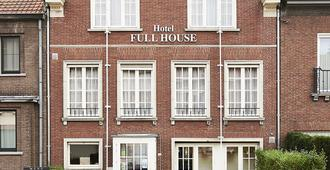 Full House Hotel - Kortrijk - Gebouw