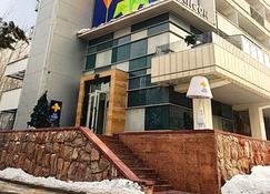 Iris Hotel - Almatý - Edificio