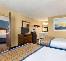 Days Inn & Suites By Wyndham Fort Bragg/Cross Creek Mall