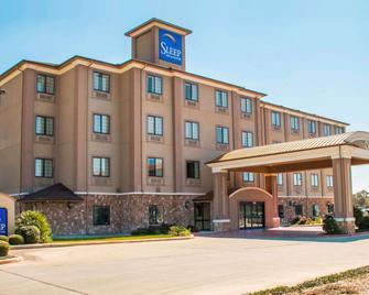 Sleep Inn & Suites at Six Flags - San Antonio - Building