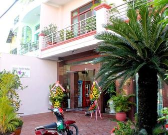 Murray Guesthouse - Chau Doc - Building