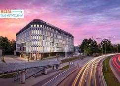 Mercure Warszawa Ursus Station - Warsaw - Building