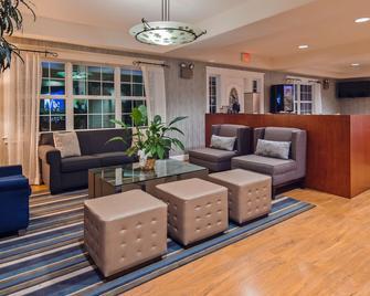 Best Western Cedar Inn & Suites - Angels Camp - Lobby