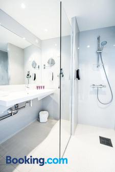 Clarion Collection Hotel Grand Olav - Trondheim - Bathroom
