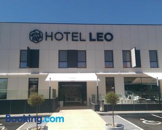 Hotel Leo - Monesterio - Building