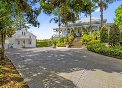 Western Springs Villa - Окленд - Вигляд зовні